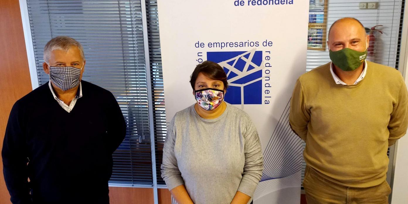 O PRESIDENTE DE ATA GALICIA, RAFAEL GRANADOS, REÚNESE EN REDONDELA CON REPRESENTANTES DA ASOCIACIÓN DE EMPRESARIOS PARA TRABALLAR CONXUNTAMENTE POLOS AUTÓNOMOS.
