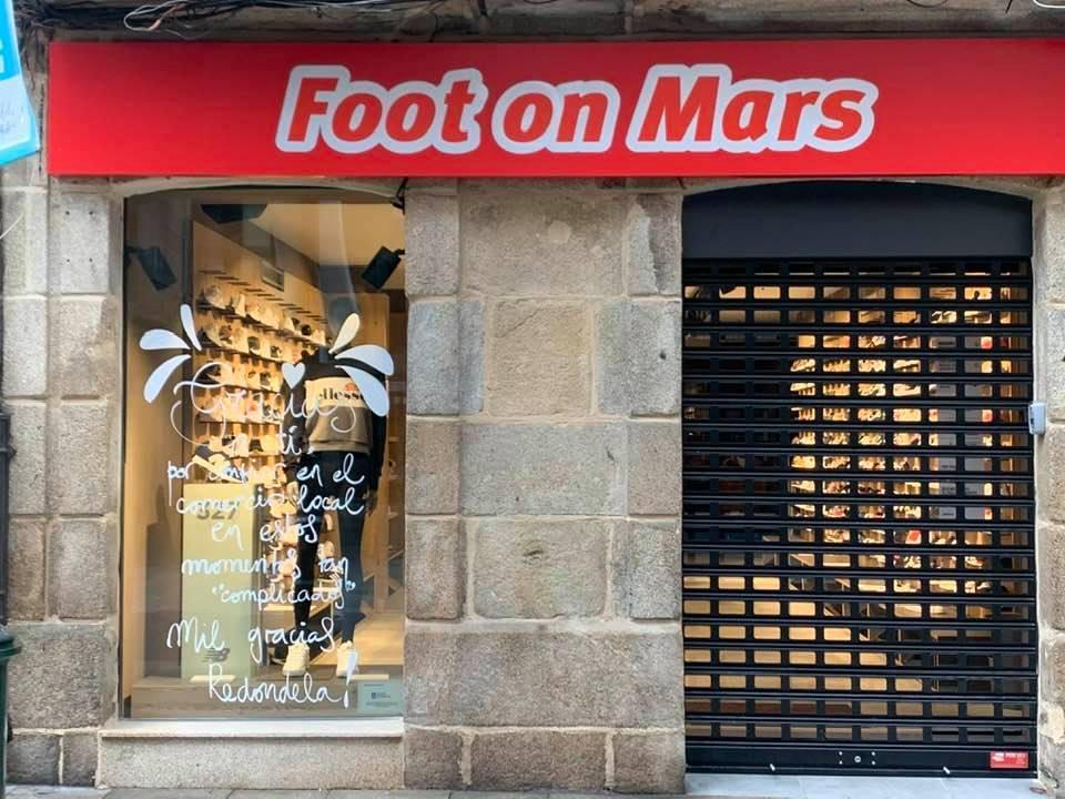 FOOT ON MARS2.jpg